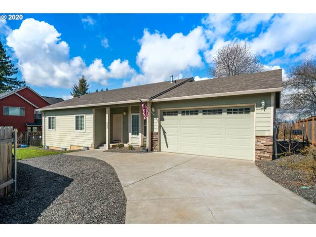 865 SE Pineview Ct, Estacada, OR 97023 (MLS #20196582) :: Matin Real Estate Group