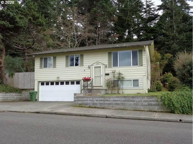 3835 Vista Dr, North Bend, OR 97459 (MLS #20203772) :: Song Real Estate