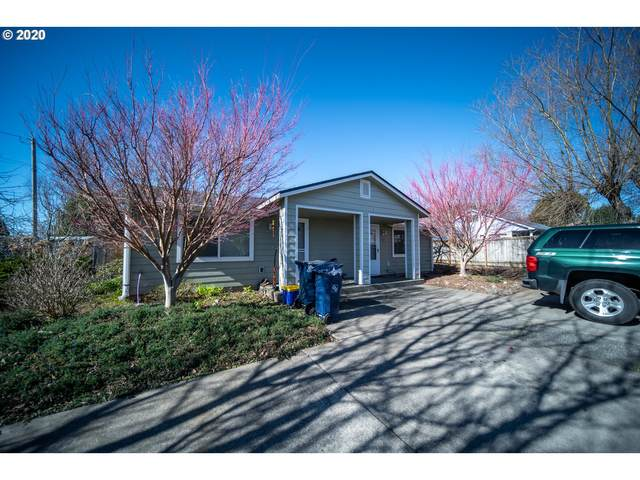 301 Alder St, Brookings, OR 97415 (MLS #20213148) :: Gustavo Group