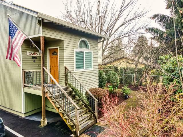 18956 Leland Rd, Oregon City, OR 97045 (MLS #20218184) :: Fox Real Estate Group