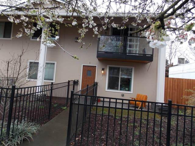 4830 SE Stark St #6, Portland, OR 97215 (MLS #20228795) :: Premiere Property Group LLC