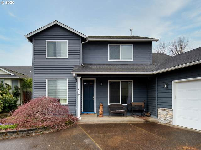 1419 Mt View Ln, Molalla, OR 97038 (MLS #20232559) :: Townsend Jarvis Group Real Estate