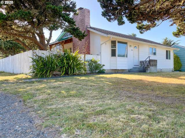980 Jackson Ave, Bandon, OR 97411 (MLS #20233221) :: Beach Loop Realty