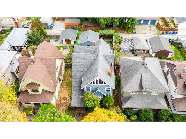 1524 SE Poplar Ave, Portland, OR 97214 (MLS #20235448) :: Next Home Realty Connection