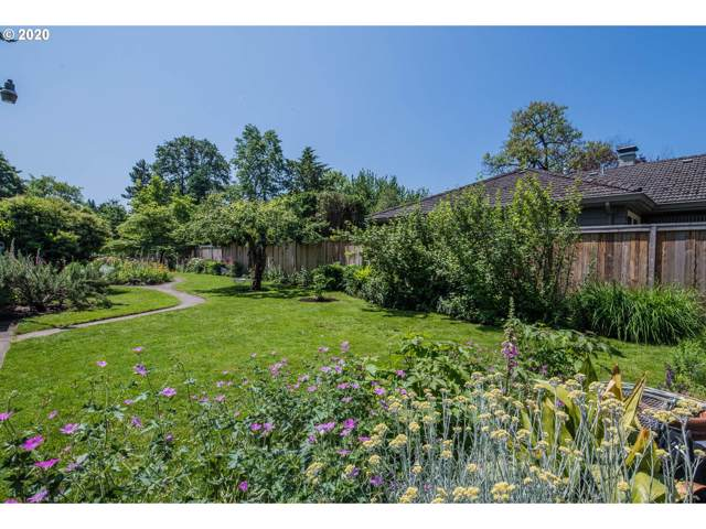 3612 SE Crystal Springs Blvd, Portland, OR 97202 (MLS #20245846) :: Next Home Realty Connection