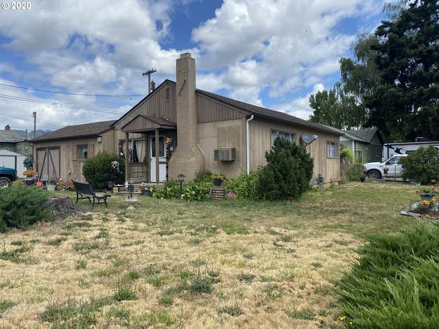 110 Cherry St, Riddle, OR 97469 (MLS #20249937) :: Fox Real Estate Group
