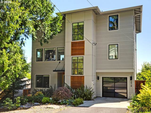 3318 SW 13TH Ave, Portland, OR 97239 (MLS #20264674) :: Fox Real Estate Group
