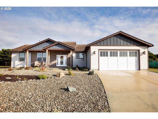 3135 Lincoln Ave, Bandon, OR 97411 (MLS #20265916) :: Change Realty