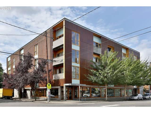 915 SE 35TH Ave #202, Portland, OR 97214 (MLS #20272587) :: The Liu Group