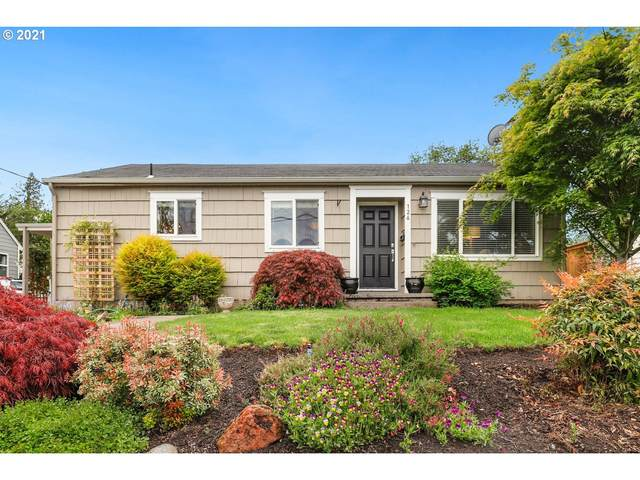 126 NE 73RD Ave, Portland, OR 97213 (MLS #20272848) :: Cano Real Estate