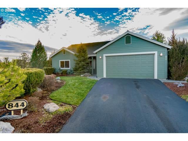 844 Ribbon Falls Rd, Redmond, OR 97756 (MLS #20274020) :: McKillion Real Estate Group