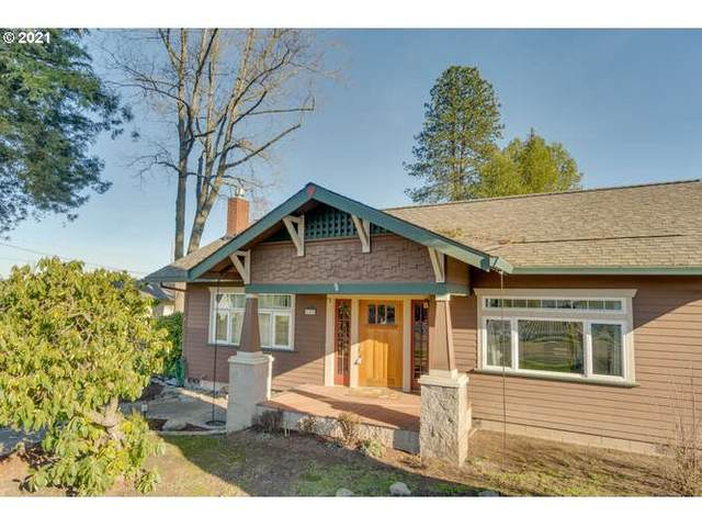 624 S Pine St, Carlton, OR 97111 (MLS #20275223) :: Cano Real Estate