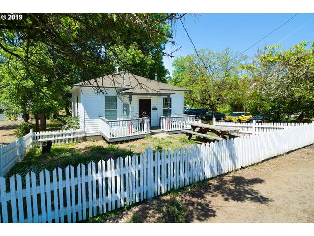 280 SE Pine St, Roseburg, OR 97470 (MLS #20275361) :: Beach Loop Realty