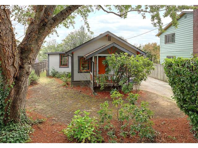 6444 NE 35TH Pl, Portland, OR 97211 (MLS #20276475) :: The Galand Haas Real Estate Team