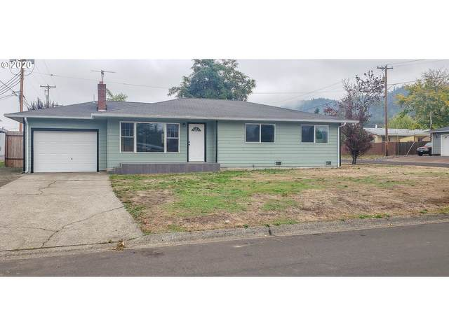 667 W Luellen Dr, Roseburg, OR 97471 (MLS #20283087) :: Duncan Real Estate Group