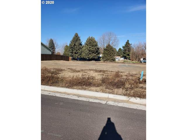 942 SW Coyote Dr, Hermiston, OR 97838 (MLS #20283658) :: Townsend Jarvis Group Real Estate