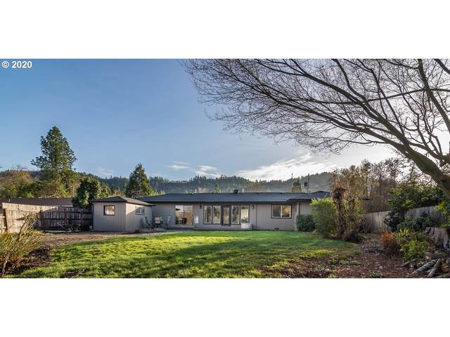 2142 W Foothill Dr, Roseburg, OR 97471 (MLS #20289657) :: Fox Real Estate Group
