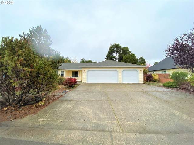 2421 16TH St, Florence, OR 97439 (MLS #20291406) :: Premiere Property Group LLC