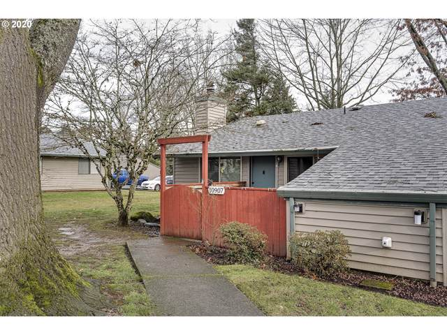 10907 SW 121ST Ave, Tigard, OR 97223 (MLS #20295381) :: Next Home Realty Connection