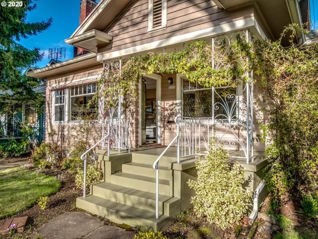 2222 SE Tamarack Ave, Portland, OR 97214 (MLS #20299626) :: McKillion Real Estate Group