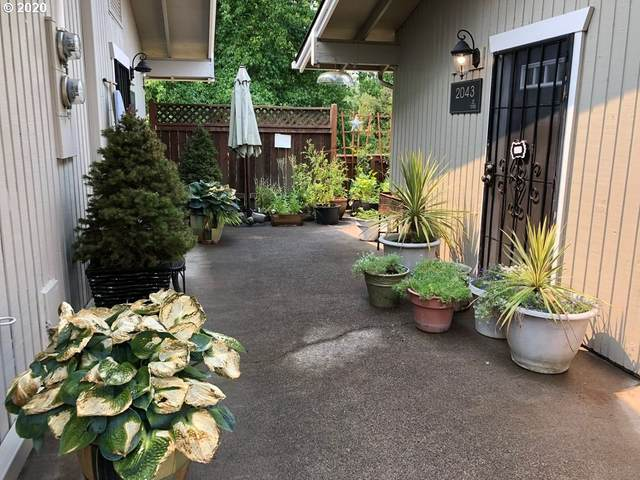 2043 W 14TH Pl, Eugene, OR 97402 (MLS #20299915) :: Brantley Christianson Real Estate