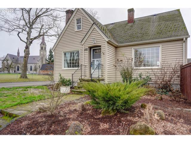 495 Palmer St, Mt. Angel, OR 97362 (MLS #20309726) :: Next Home Realty Connection