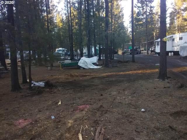 51839 SW Pine Loop Dr, La Pine, OR 97739 (MLS #20311807) :: Fox Real Estate Group