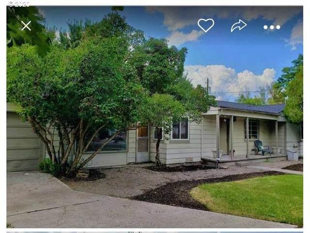 271 SE Elm St, Prineville, OR 97754 (MLS #20315692) :: McKillion Real Estate Group