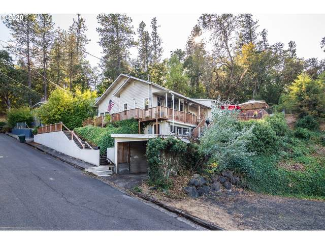 952 SE Glenn St, Roseburg, OR 97470 (MLS #20317653) :: Townsend Jarvis Group Real Estate