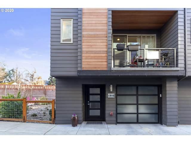 1806 SE 50TH Ave, Portland, OR 97215 (MLS #20318261) :: McKillion Real Estate Group