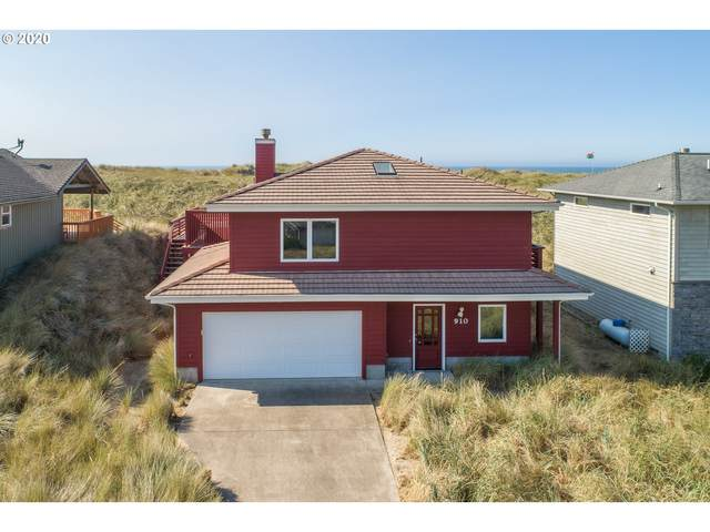 910 NW Oceania Dr, Waldport, OR 97394 (MLS #20320481) :: Holdhusen Real Estate Group