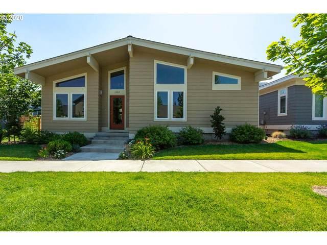 2797 NE Great Horned Pl, Bend, OR 97701 (MLS #20321625) :: Fox Real Estate Group