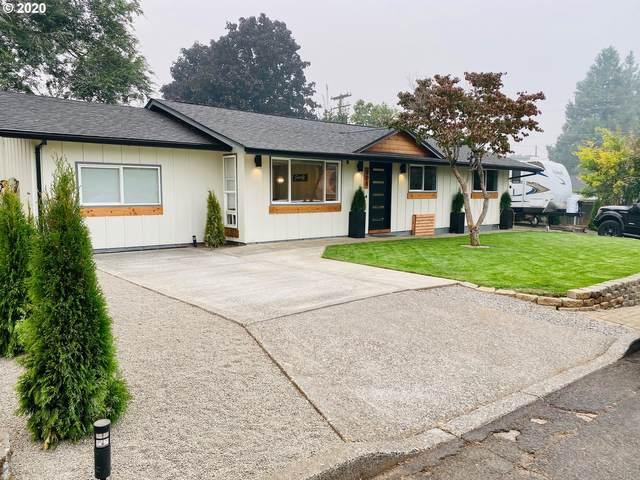 908 21ST St, Hood River, OR 97031 (MLS #20322552) :: McKillion Real Estate Group