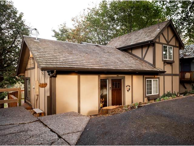 1824 SW Greenway Cir, West Linn, OR 97068 (MLS #20323189) :: Lux Properties