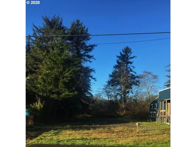 207 2ND Ave, Ilwaco, WA 98624 (MLS #20327552) :: Premiere Property Group LLC