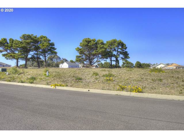 746 Seacrest Dr, Bandon, OR 97411 (MLS #20328222) :: Gustavo Group