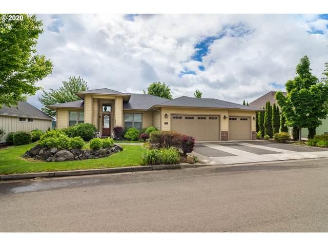 525 Fairway Estates Dr, Sutherlin, OR 97479 (MLS #20337860) :: Premiere Property Group LLC