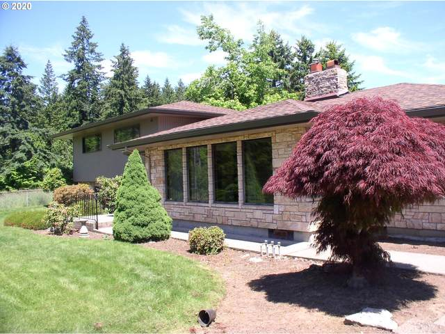 13570 SE 180TH Ave, Damascus, OR 97089 (MLS #20343902) :: Fox Real Estate Group