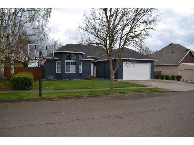 1713 SE 12TH Ave, Canby, OR 97013 (MLS #20347165) :: Fox Real Estate Group
