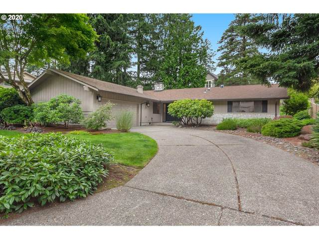 2515 SW Scenic Dr, Portland, OR 97225 (MLS #20347713) :: Fox Real Estate Group
