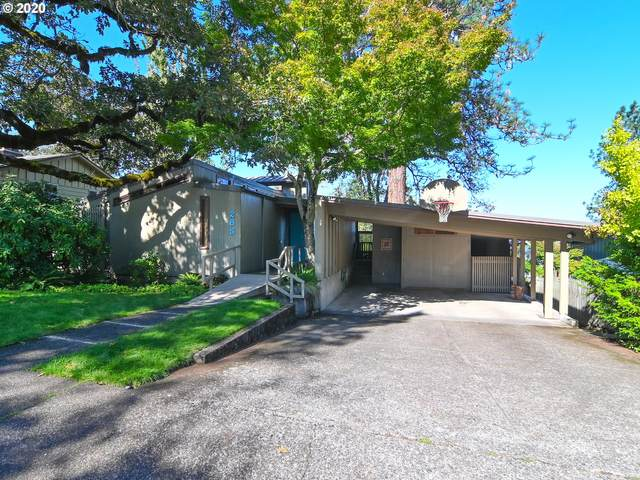 285 W 31ST Ave, Eugene, OR 97405 (MLS #20354435) :: Song Real Estate