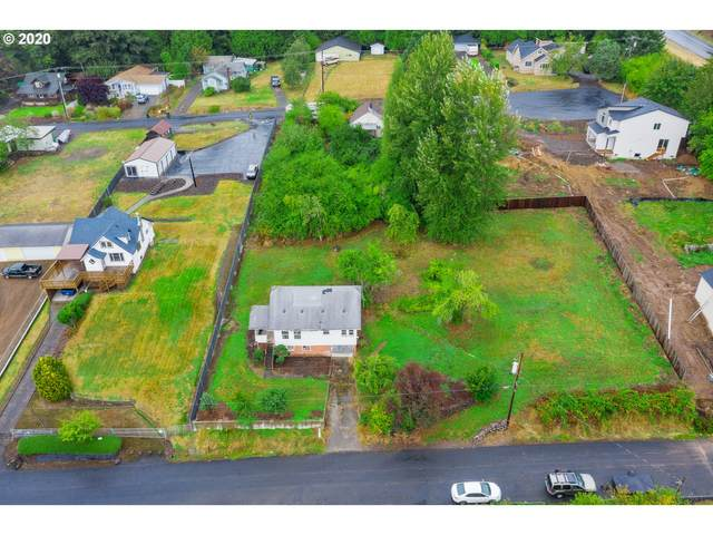 207 Holcomb Ave, Kelso, WA 98626 (MLS #20354919) :: Stellar Realty Northwest