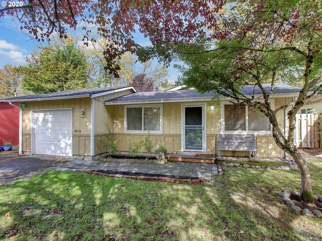 3325 SW Hume St, Portland, OR 97219 (MLS #20355619) :: Change Realty