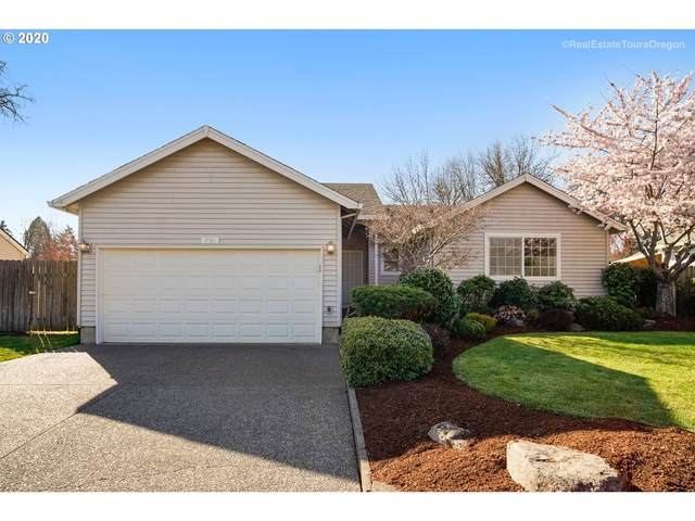 730 SE Logan Ln, Dundee, OR 97115 (MLS #20357595) :: Song Real Estate