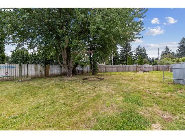 SE Woodstock Ct, Portland, OR 97206 (MLS #20358241) :: Holdhusen Real Estate Group
