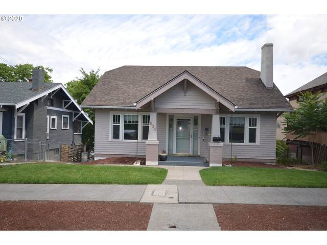 609 E 10TH St, The Dalles, OR 97058 (MLS #20360607) :: Holdhusen Real Estate Group