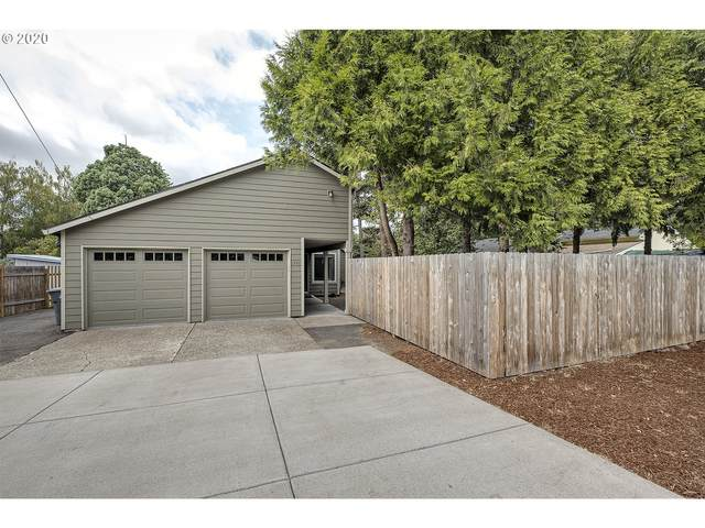 2141 SE Brookwood Ave, Hillsboro, OR 97123 (MLS #20363295) :: Premiere Property Group LLC