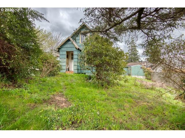 440 3RD Ct, Coos Bay, OR 97420 (MLS #20365015) :: Fox Real Estate Group