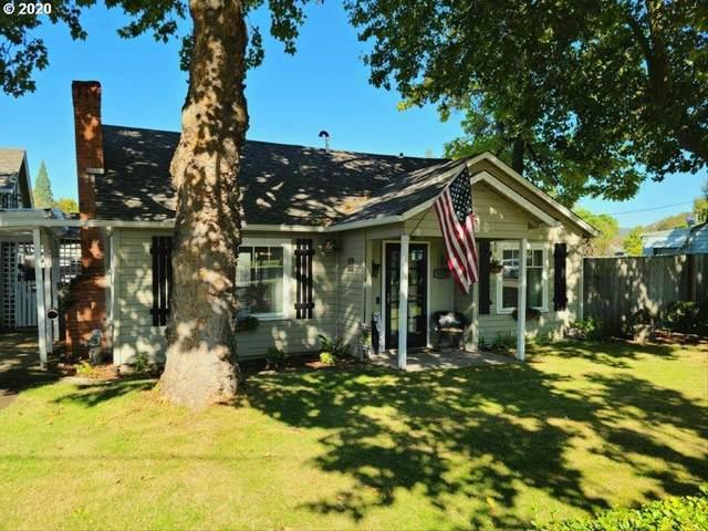 1648 NW Calkins Ave, Roseburg, OR 97471 (MLS #20370332) :: Fox Real Estate Group