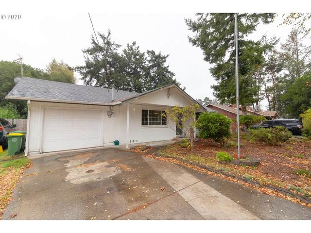 2040 19TH St, Florence, OR 97439 (MLS #20371214) :: McKillion Real Estate Group